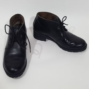 Eastland Women's Wellesley Style Chukka Boots
